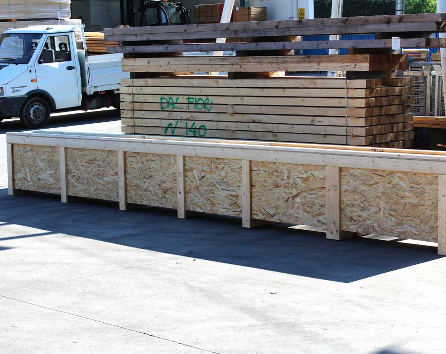 OSB box with external crossbars